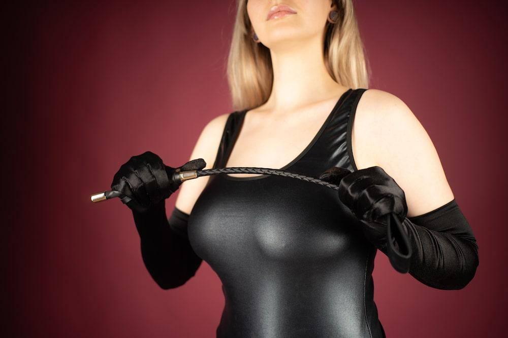 bonne femme dominatrice BDSM